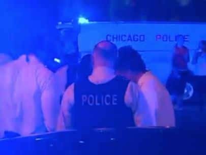 Officer sustains injuries in Chicago shooting; suspect dead
